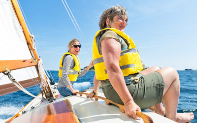 13 boating safety tips.